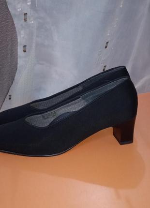 Туфли квадратный каблук и носок тренд 2021 ara