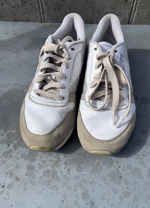 Белые кожаные кроссовки reebok classic