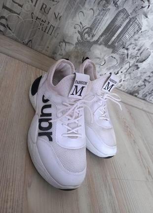 Кросівки 39