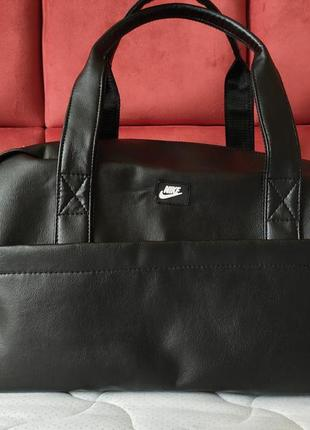 Спортивная дорожная сумка nike