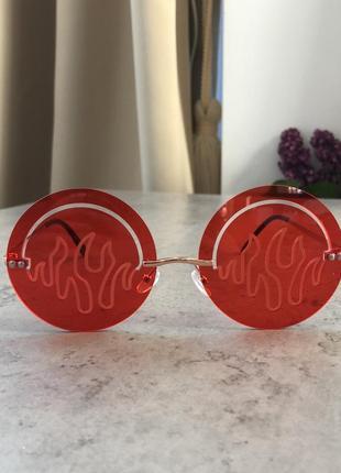 Очки пылающие круглые имиджевые красные стильные унисекс