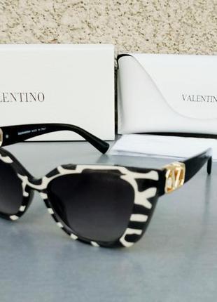 Valentino очки женские солнцезащитные черно белые с градиентом с золотым лого