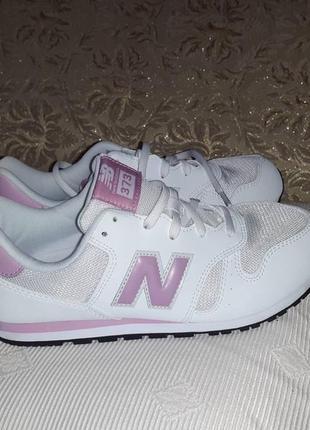 New balance кросівки