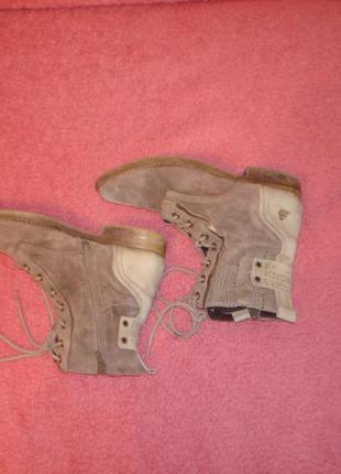 Замшевые полусапожки ботинки бренд buffalo