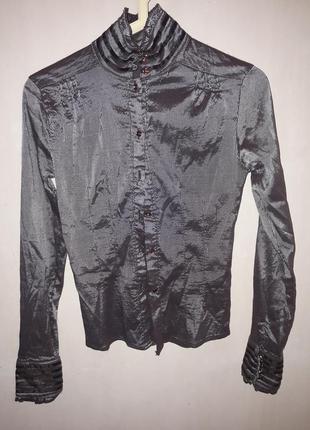 Рубашка приталеная в вертикальную полоску