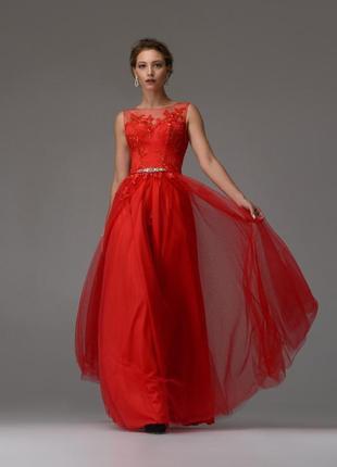Красное вечернее платье а-силуэт