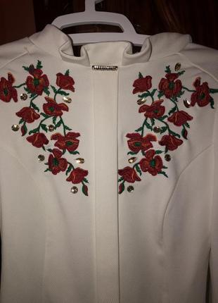 Блуза з вишиванкою