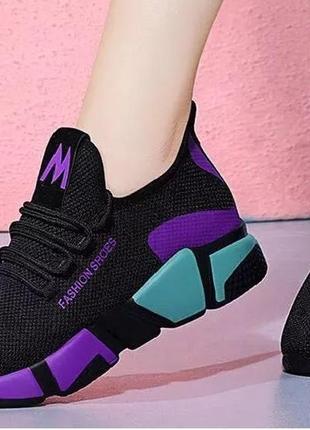 Женские лёгкие кроссовки стелька 22-23,5 см.