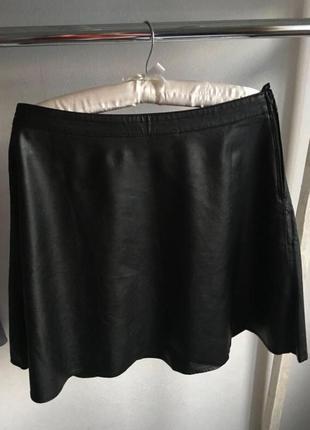 Стильная качественная юбка кожзам чёрная h&m