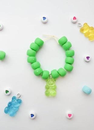 Зелёный браслет с мишкой