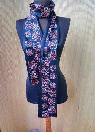 Изысканный шелковый шарф