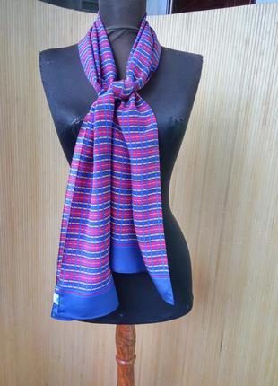 Изысканный шелковый шарф в полоску