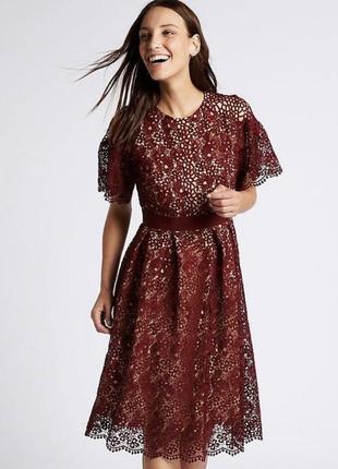 Бордовое ажурное кружевное платье миди. батал