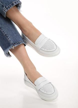 Летние кожаные туфли с перфорацией