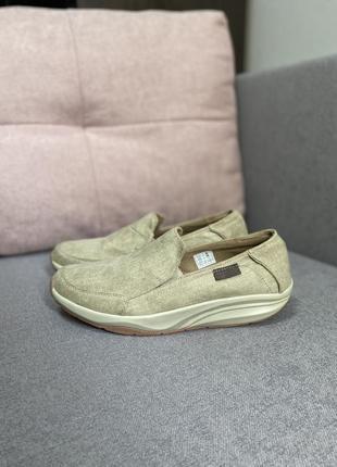 Туфли кроссовки фирменные