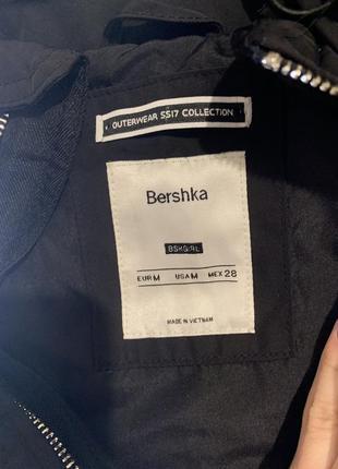 Легкая куртока bershka2 фото