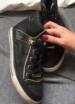 Красивые шикарные кеды кросовки ботинки черные с золотым напыленим