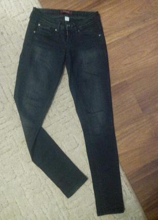 Узкие черные джинсы bershka