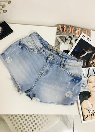 Крутые голубые джинсовые шорты с потертостями от denim co