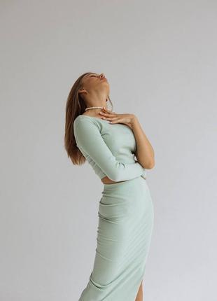 Женский летний костюм двойка юбка и топ,юбка миди с разрезом на ноге и топ на одно плечо7 фото
