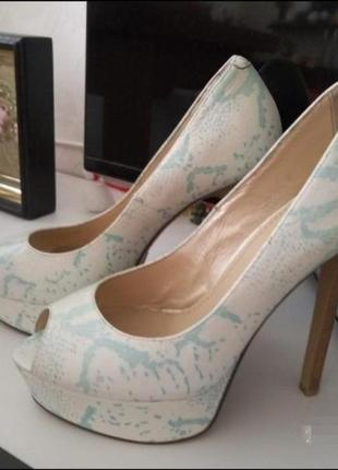 Босоножки, летние туфли 37 размер