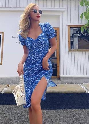 Шикарное небесное платье с декольте и вырезом 💙3 фото