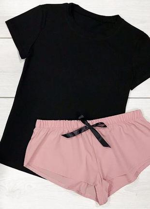 Пижамы женские комплект футболка+шорты.