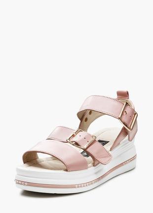 Стильные розовые босоножки с пряжками толстая высокая подошва без каблука натуральная кожа