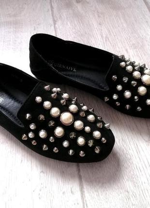 Замшевые лоферы с жемчугом и шипами, туфли, балетки, мокасины