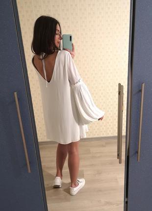 Zara белое платье с открытой спинкой