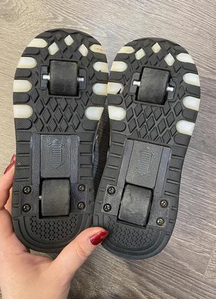Светящиеся кроссовки на колесиках хиллисы heelys3 фото