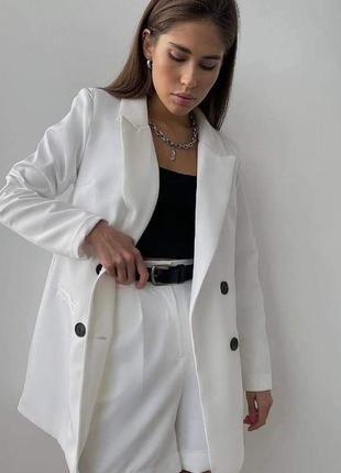 Белый костюм , костюм для офиса , пиджак и шорты , белый пиджак