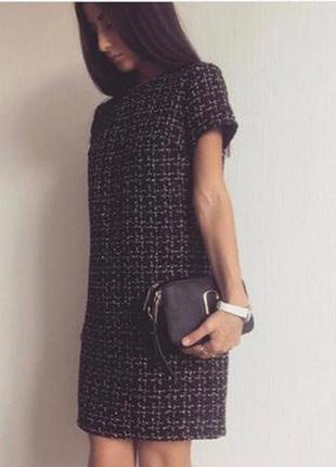 Твидовое платье с воротником