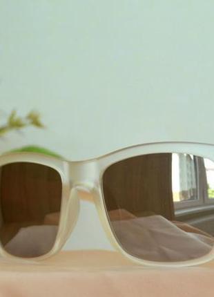 Солнцезащитные очки в шикарной оправе