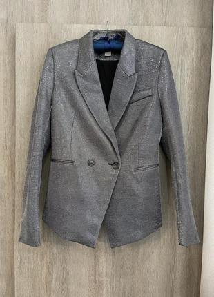 Блестящий приталенный пиджак н&м
