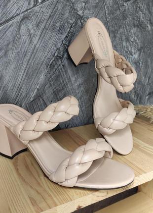 Бежевые шлепки/сабо/босоножки плетеные на широком каблуке