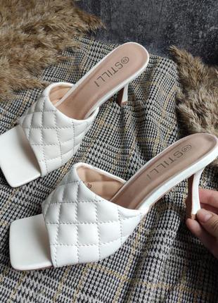 Белые шлепки/сабо/босоножки плетеные на широком каблуке