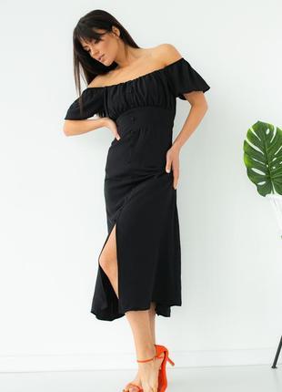 Платье с откровенным декольте черное
