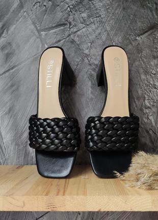 Чёрные шлепки/сабо/босоножки плетеные на широком каблуке