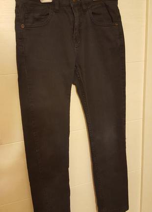 Классические универсальные джинсы zara