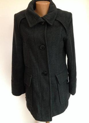 Тёплое темно-серое короткое пальтишко. / s/ brend kapp ahi