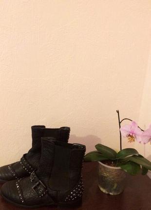 Новые шикарные  ботинки , кожа , заклёпки , от miraton , итальянского бренда attizzare