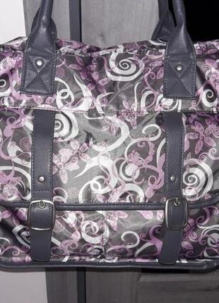 Вместительная сумка weekender