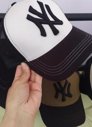 Стильные кепки ny с сеткой и регулятором размера