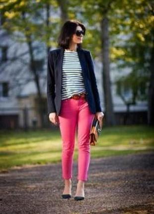 Стильні рожеві джинси завужені джегінси xs-s