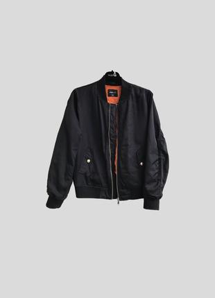 Чёрный бомбер куртка k16