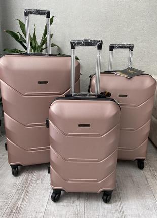 Чемодан,валіза ,польский бренд,отличное качество,надёжный хороший чемодан