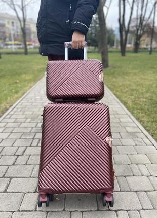 Чемодан ,валіза ,польский бренд,премиум сегмент ,надёжный ,качественный ,двойные колеса