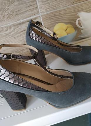 Кожаные туфли clarks р.38 на устойчивом каблуке
