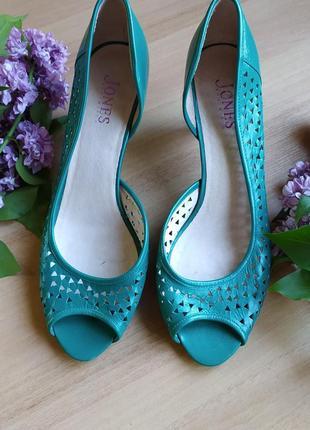 Босоножки открытые туфли  изумрудного цвета на низком каблуке jones 41